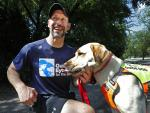 Guide Dogs Helping Blind Runners Stay Fit Despite Pandemic