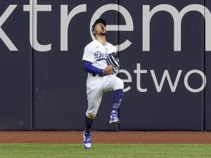 Seager Homers Again, Dodgers Force NLCS Game 7 with 3-1 Win