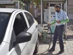 India's Electric Vehicles Face Practical, Technical Hurdles